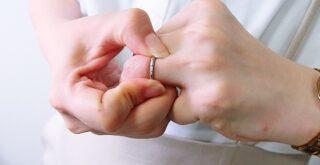 指輪が抜けない時の対処法